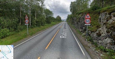 Før måtte ein køyre forbi Austmarka i 60 km/t i kvardagane mellom kl. 07-17 og elles kunne halde 80 km/t. Men ikkje no lenger.