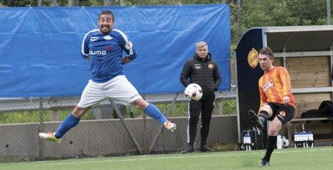 Klassisk Thomas Ulvestad: Fotball med en liten vri! Veteranen er nominert som årets spiller i 4. divisjon avdeling 2. Foto: Karoline Forselius, Hordalandsfotball