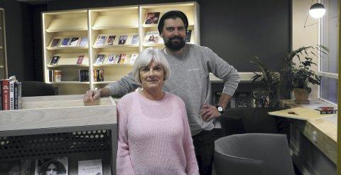 Avdelingssjef Merete Greve Løberg, og prosjektleder Håvard Legreid har jobbet på spreng for å komme i mål med det nye biblioteket.