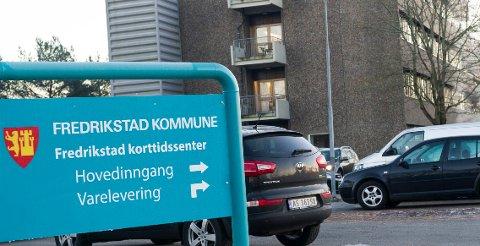 Fredrikstad kortidssenter var ikke et godt tilbud til Wenche Alstads mann: – Flash back til 60-årene og kommunens fattigdom, skriver hun.