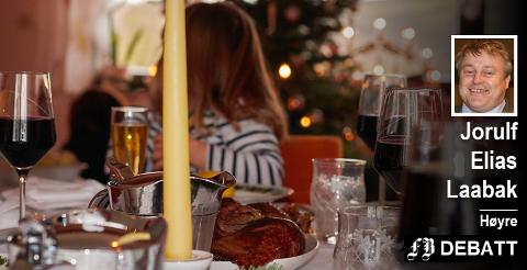 Jorulf Elias Laabak ber voksne tenke seg om. For mange barn er julen vanskelig fordi alkohol blir en dominerende del av bildet.