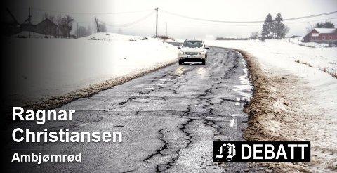 Denne veistandarden over Veum mot Kalnes får innbyggerne til å reagere. Foto: Geir A. Carlsson