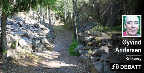 Et stykke kulturhistorie: Sporene etter tidligere tiders stenbrudd er tydelige, det samme er veien som stenen har vært fraktet ut på.
