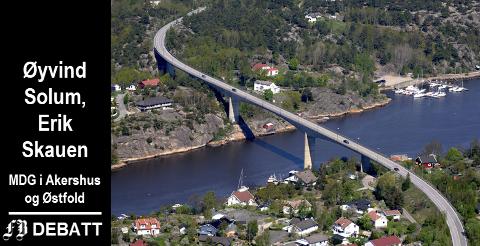 Ny Kjøkøysund bru og videregående skoler i Fredrikstad og Halden kan bli utsatt i lang tid, frykter MDG-politikerne.