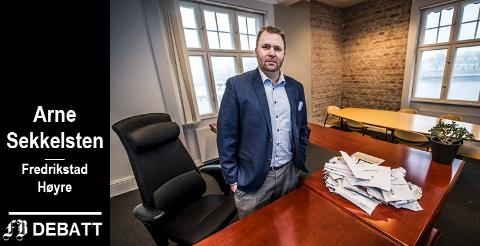 – Arbeiderpartiet har samlet sett styrt i om lag 100 år, og kanskje er det på tide å lufte ut på Rådhuset? spør Arne Sekkelsten.