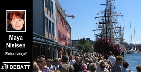 – Vi har alltid tatt imot folk sjøveien. Beliggende ved Glommas munning er vi elvens førstelinje, skriver reiselivssjefen og gleder seg til Tall ships-helgen i juli. Bildet er fra skutefesten i 2005.