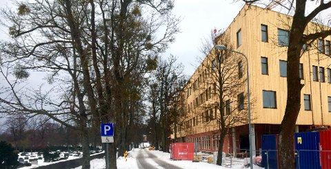 SKOLE: Den nye videregående skolen ved Lystlunden, sett fra Oregata.