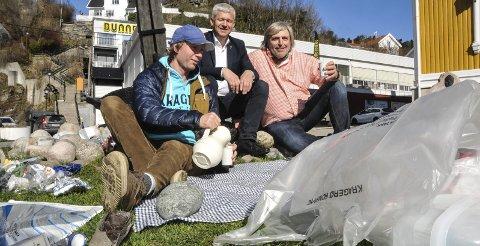Seks om dagen: – Plukk seks søppelting om dagen og Kragerø blir renere, oppfordrer Per-Erik Schulze, Jone Blikra og Helge Rognli.
