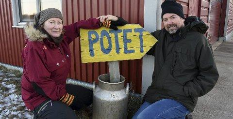 Tove og Thor Holand har fått solgt gården som hadde en prisantydning på 14 millioner kroner.