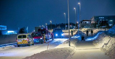TRAGEDIEN PÅ FAGERENG: Fire personer ble funnet og dratt opp fra sjøen ved Fagereng.