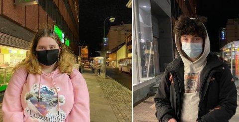 MUNNBIND: Både Julie Julie Mikkelsen Johnsgård og Phillip Carroll bruker munnbind på bussen.