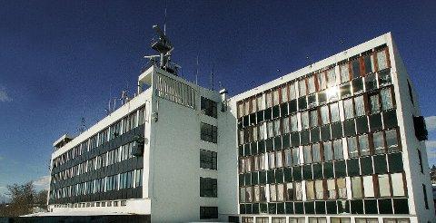 UVISS FRAMTID: Sjømannsskolen på Rambergan har vært brukt til maritime fag siden 1964. Nå er det vedtatt solgt, og kommunen er interessert.