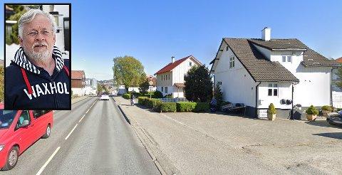 PÅ VENT: I elleve år har Erik og Eva Carlsen her i Oalsgata 44 ventet i usikkerhet på om huset deres skal rive eller ei.