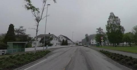 LUNDEN: Fylkeskommunen er villig til å bruke tre millioner på tiltak langs fylkesvei 465 like ved Liknes skole i Kvinesdal.
