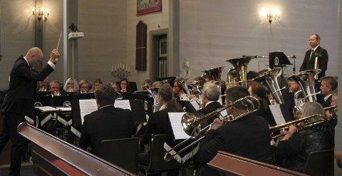KYRKJEKONSERT: Floraskulen Brassband og Florø Hornmusikk inviterer også i år til førjulskonsert. Foto: arkiv