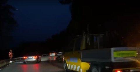 RAS: Steinar har komme ned frå hammaren. Trafikken får passere i eine feltet.