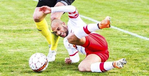 NEDE FOR TELLING: Kristian Brix tok seg helt ut mot slutten av matchen mot Ullensaker/Kisa.         Foto: Johnny Leo Johansen