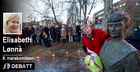 Berit Ås hilste til Katti Anker Møller og dagens kvinner under 8. marsarrangementet i 2013. I de 20 årene den har eksistert har statuen vært samlingssted denne dagen.