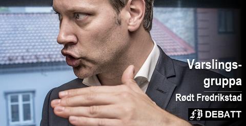 – Forklar hvorfor dere har kommet frem til en så stor sluttpakke! Ordfører Jon-Ivar Nygård får utfordringen fra Rødt Fredrikstad sammen med Truls Velgaard og Anita Vik som begge var med å fremforhandle avtalen.