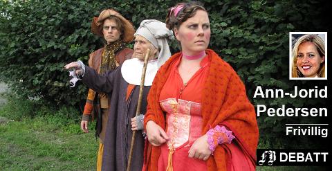 Historien om da  Fredriksstad ble grunnlagt etter at «Salsborg» var brent, er dramatiser som teaterkonserten  «1567- En by blir to». Den spilles i høst to ganger i hver av byene. Fra venstre Sunniva Berg, Jon Arne Arnseth og Gunni Jordfald Johnsen.
