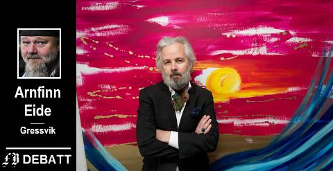 Ari Behn foran sitt bilde Tsunami. Brevforfatter Arnfinn Eide mener Behns bilder i beste fall er banale og amatørmessige.