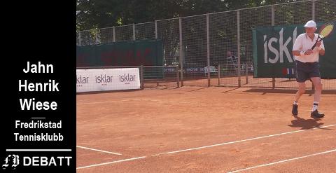 Brevforfatter Jahn Henrik Wiese er æresmedlem i tennisklubben, og fortsatt aktiv spiller etter å ha fylt 80 år.