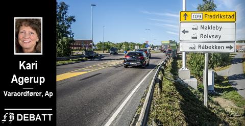 Bomstasjonen er på plass på Rolvsøyveien. Kari Agerup skriver at dette er teamwork som partiene har stått sammen om, og at det må fortsette.