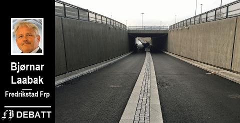 Ny vei og bru fra Simo til Ørebekk er startskudd for bompengeinnkreving når skal stå ferdig i høst. Her veien som går direkte til sentrum nordfra mens avkjøringen til Gressvik blir i rundkjøringen oppå lokket.