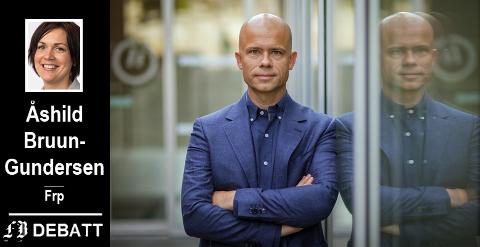 Rektor Lars Petter Jelsness-Jørgensen ved Høgskolen i Østfold beskyldes for ikke å ha vilje til å tilby riktige studieplasser.