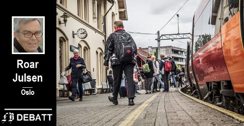 Fredrikstad stasjon må betjene reisende til og fra Fredrikstad i årevis fremover. Om 10-15 kan den få en oppgradering, etter Roar Julsens måte å lese og tolke offentlige utredninger.
