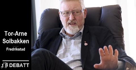Den tidligere LO-nestlederen Tor-Arne Solbakken svarer Strømnes at det store problemet med fremtidig pensjon ligger et annet sted og at LO og Ap har gjort sin del av jobben.