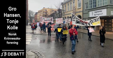 150 ungdommer, menn og kvinner deltok i demonstrasjonstoget i Fredrikstad 8. mars.
