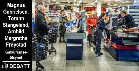 Gode tider i dagligvarebransjen etter at svenskegrensen ble stengt 17. mars. I kronikken heter det at flere næringsdrivende har advart mot priskrig. Illustrasjonsbilde fra Rema Hassingen som i FB-reportasje fortalte om økt salg av typiske svenskevarer.