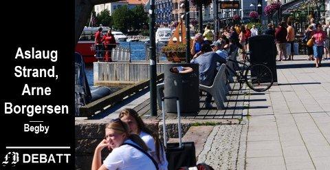 Yrende folkeliv i Fredrikstad sentrum denne sommeren. Men «enkelte har dessverre altfor stor tro på seg selg og retten til å fyre løs på andre» heter det i innlegget.