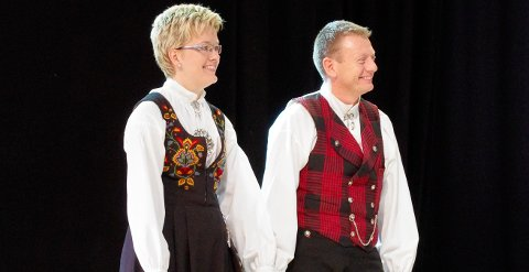 BRONSESPRANG: Elin Eidsand og Pål Anders. T. Sveen dro i land bronsemedalje for sin springdans fra Hadeland under årets Landskappleik på Røros.
