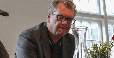 Frode Grytten: Besøkte Odda denne veka i forbindelse med Klassekampen sin sommarturnè. I Oktober kjem han tilbake for å delta på Litteratursymposiet.