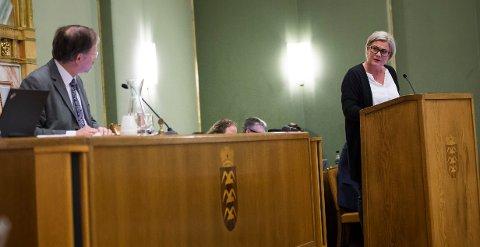 Gjertrud Kjellesvik fra SV fikk ikke fullstendig svar fra ordfører Petter Steen jr. Foto: Einar Tho