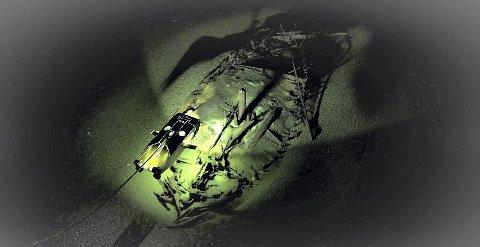 SPESIELL TEKNIKK: Et bysantinsk vrak undersøkes av en av ROV-ene. Bildene som produseres av Black Sea MAP-prosjektet er digitale modeller som utarbeides ved hjelp av fotografier ved å benytte en prosess som heter fotogrammetri, en teknikk som går ut på å konstruere 3D-modeller ved å kalkulere posisjonen til et punkt som er synlig i to tilstøtende bilder. Programvaren beregner 3D-posisjonen til millioner av punkter, i dette tilfellet fra tusenvis av fotografier (tatt av kameraene på ROV-en) og bygger modellen. På det siste bildet er modellen påført farger og teksturer som er hentet fra bildene for å skape en nøyaktig gjengivelse. Behandlingen tar flere dager, selv med de raskeste datamaskiner. Og prosjektet hadde seks stykker som gikk 24 timer i døgnet. Foto: EFF, Black Sea MAP