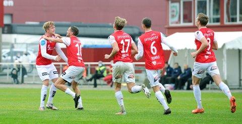 NY SESONG: I 2020 var det mye å juble for for Andreas Dybevik (f.v.), Robert Undheim, Joacim Holtan, Henning Romslo og Pål Aamodt. Bryne møter tøffere motstand i år, i 1. divisjon.