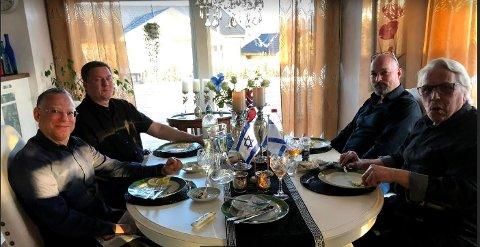Ambassadør Alon Roth, Erik Selle (partileder i Partiet De Kristne), Tom Henriksen og Per Hansen