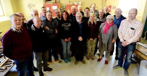 Otta Knivklubb har aldri hatt flere medlemmer. Klubben har i dag 30 medlemmer, og i høst kan de markere at det er 25 år siden klubben ble stiftet.