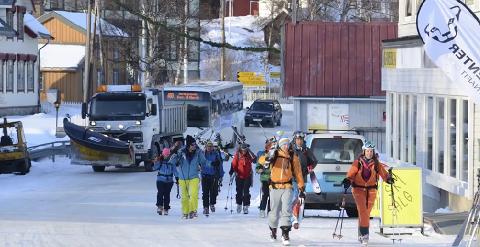 Sentrum av Lyngseidet er i dag kaotisk. En ny miljøgate skal gi plass til alle.