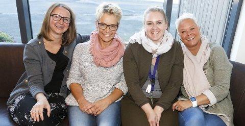 GLEDER SEG: Fra venstre Anette Grøstad, Hilde Norum, Lene Kristiansen og Trude Høiås. Ingrid Korn var ikke til stede da bildet ble tatt. FOTO: STIG PERSSON
