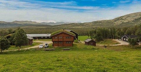 SOLGT: Fallet Nordre i Folldal er solgt for 9,5 millioner kroner. De tidligere eierne har kjøpt ny landbrukseiendom.