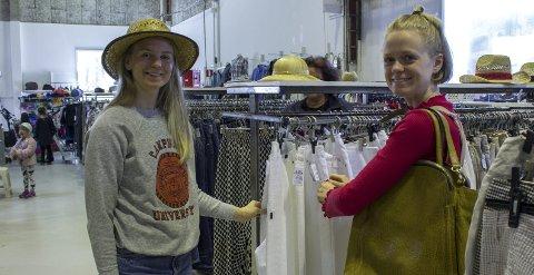 Lørdagshygge: Søstrene Anna og Maja Bygdén synes det er hyggelig å dra på «loppis» eller bruktbutikker i helgene.