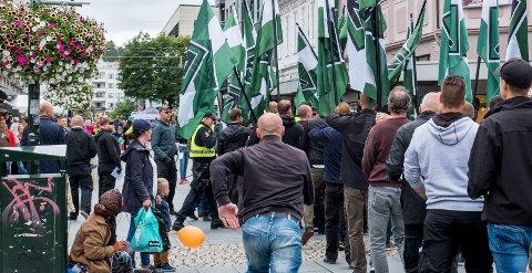 Kristiansand  20170729. Høyreekstreme marsjerer i Kristiansand lørdag. Foto: Tor Erik Schrøder / NTB scanpix