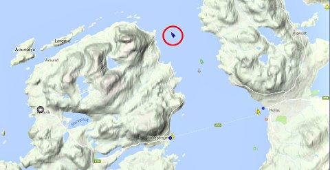 Bilferga «Rauma» la kursen bort fra Halsafjorden tirsdag kveld.