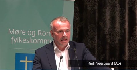 Kjell Neergaard (Ap) debuterte i fylkestinget med et frontalangrep på Fremskrittspartiet.