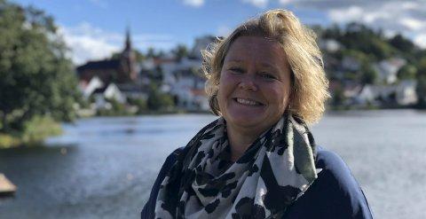 Fornøyd: Esther Kristine Hoel synes det er fint å fortsette i jobben sin i Tvedestrand kommune. Arkivfoto