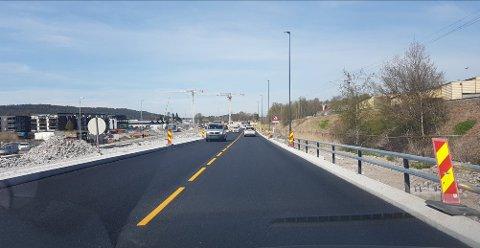ÅPNET: Slik så veien langs jernbanen, mot Seutelva, ut tirsdag formiddag.
